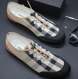 2019 große elastische schuhe Neue Gummiband Trend Kleid Schuhe Luxus Marke Loafers Männer Sandalen Grid Business Leinwand Freizeitschuhe Große Größe: 39-44 G152 rabatt große elastische schuhe