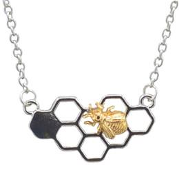tier-choker Rabatt Rainbery Charm Fashion Gold Halsketten für Frauen Mädchen Herz Honeycomb Bee Tier Anhänger Choker Halskette Schmuck Party Geschenk