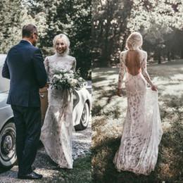 Vestido de novia de encaje completo delgado online-2018 Boho sirena vestidos de novia de encaje lleno de cuello alto mangas largas vestido de novia sin espalda elegante Slim Fit vestidos de boda de playa país sexy