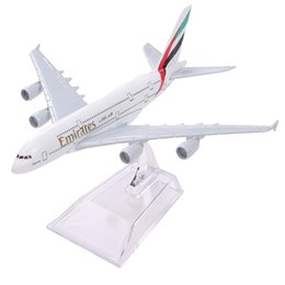Wholesale airlines metal - Brand New Airbus380 Emirates Airlines A-380 Aircraft Aeroplan 16cm Diecast Model United Arab Emirates A380 High Simulation