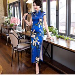 Vestidos de seda de quinceañera online-Nueva manera de lujo 2018, seda retra, cheongsam largo del estilo, vestido de Tang.