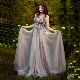 2018 en vente robes sexy de bal v col perles noires personnalisées une ligne robes de soirée balayer train robes de bal dos nu Robe De Mariée ? partir de fabricateur