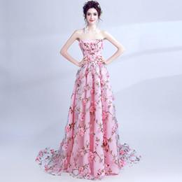 Sin tirantes de flores de color rosa 2019 vintage vestidos de mujer con nueva moda pura redes de imagen de moda wed ropa desde fabricantes