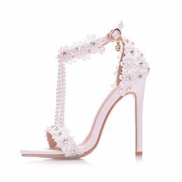 stilettos de flores Rebajas Nueva blanco que rebordea los zapatos abiertos del dedo del pie para las mujeres talones del tacón alto de la manera zapatos de la boda del talón del cordón de la flor tira del tobillo sandalias nupciales