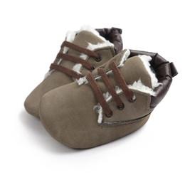 botas de bebê mocassins Desconto Tênis de bebê Bebés Meninos Botas Sapatos Infantis Recém-nascidos Bebe Mocassins Macios Moccs Sapatos Clássicos Casuais Botas Quentes