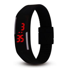 Assista o toque do homem on-line-NOVA moda doces cor relógio 14 cores relógio de geléia de silicone Unisex esportes LED relógios homens das crianças crianças toque relógio de pulso digital criança