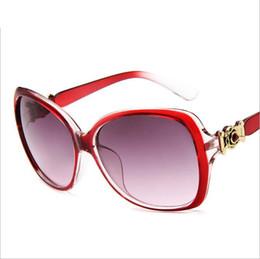 2019 lunettes de soleil des gens noirs Mode Lunettes de soleil chaudes dernière collection tendance Lunettes de soleil Lunettes noires rouges pour les jeunes Livraison gratuite lunettes de soleil des gens noirs pas cher