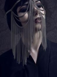 costume del corpo d'oro Sconti Le donne sexy dell'oro copricapo multi strato della nappa della testa della catena copricapo della fascia Chainmail maschera per il viso Costumi degli accessori del corpo