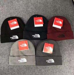 2018 New TN marque de luxe chapeaux de haute qualité mode femmes, hommes tricoter des chapeaux chauds occasionnels et cadeaux de Saint Valentin pour Beanie Skull Caps ? partir de fabricateur