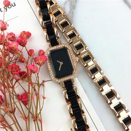 Высокое качество женщин наручные часы Стальной браслет цепи топ бренд роскошный квадратный циферблат лицо Нобелевская женщина кварцевые красоты бесплатная доставка Сексуальная партия cheap free female wristwatches от Поставщики женские наручные часы