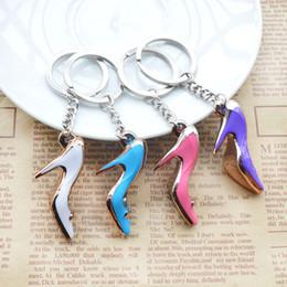 Adornos tacones altos online-2018 zapatos de la novedad Mini tacón alto en forma de llaveros lindos zapatos llaveros para regalos llavero bolsa adornos mujeres acrílico de tacón alto