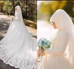 Lujosos vestidos de boda musulmanes online-Lujo Arabia Saudita Árabe Dubai Oriente Medio Encaje 2019 Vestidos de boda musulmanes Mangas largas Cuello alto Apliques Vestidos de boda nupciales