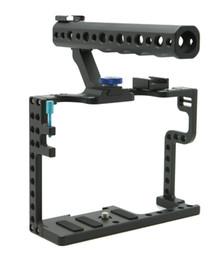 Ручка для установки камеры онлайн-Клетка камеры DSLR с верхней ручкой для Panasonic Lumix GH5 Camera Rig F20577