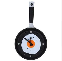 настенные часы новинки Скидка Сковорода часы с жареным яйцом-новинка висит кухня кафе настенные часы кухня