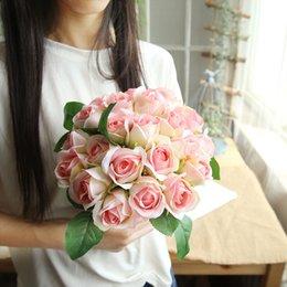 lindas pérolas rosa Desconto 11 cabeças 2018 Beautiful rose bouquets 23 cm buquê de casamento artesanal de noiva flor Artificial pérola flor frete grátis
