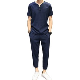 Vêtements en lin confortables en Ligne-GAUCHE ROM 2018 de haute qualité Vêtements pour hommes Linge de coton en vrac confortable Avec des manches courtes T-shirt de campagne v-cou Le pantalon