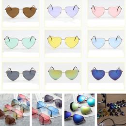 Gafas de corazón masculino online-Nuevo estilo 19 color vintage metal gafas de sol en forma de corazón melocotón corazón divertido masculino y femenino gafas de sol en forma de corazón T7C019