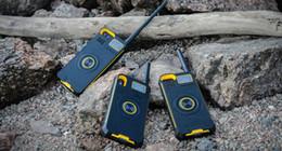 back clip power Rabatt Multifunktionale drahtlose intelligente Stimme IP01 Radio Walkie Talkie Back Clip Energienbank für iPhone X8 7 6 tragbares Radio Handheld LCD