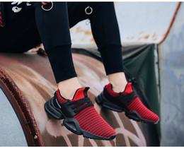 Zapatos mocasines de verano para hombre online-Zapatos de moda de verano ocasional de los hombres del acoplamiento del aire Slip-en los zapatos corrientes de grandes tamaños de zapatos planos de la zapatilla de deporte para hombre de Entrenadores de los amantes de los holgazanes