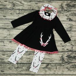 Neonati fioriti online-Neonate che coprono gli insiemi del vestito dalla nappa della manica lunga del cervo di Natale + i pantaloni stampati + il fazzoletto da collo 3pcs regolano gli abiti del fiore della prugna del fumetto