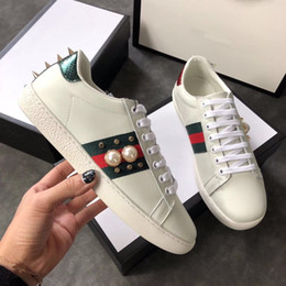 Wholesale Italy Designer Shoes - Italy Brand Original designer Men Women red with green Low Shoes Genuine Leather Sheepskin Casual Shoes Chaussure De Luxe Homme