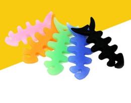 Kopfhörerhalter online-Fishbone Silikon Gummi Fisch Knochen Kopfhörer Kopfhörer Kabel Spuler Kabelaufwicklung Kabelhalter für MP3 MP4 frei DHL