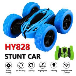 Juguetes de coches azules online-Tirón HY828 control remoto de coches truco Rc coche de alta velocidad intermitente 3D Verde Azul Carro Controle Remoto juguetes para los niños