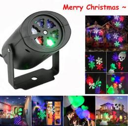 Luci laser da giardino online-LED Proiettore di Fiocchi di Neve Proiettore Laser di Natale Luce Esterna da Interno con 4 pz Lenti Modello Commutabile Decorazioni Da Giardino CCA10693 50 pz