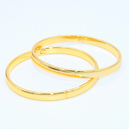 Pulseira feminina de ouro amarelo 18k on-line-2 Peças Liso Pulseira Suave 18 k Yellow Gold Filled Estilo Simples Das Mulheres Meninas Clássico Bangle Bracelet Openable Dia 6 cm