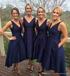 profunda baixa volta vestidos de noiva Desconto Marinha escura da dama de honra vestidos longos de alta baixo profundo decote em v uma linha de cetim vestido de festa de casamento com zíper de volta custom made baratos vestidos de dama de honra