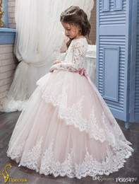 Wholesale Luxurious Communion Dresses - Luxurious 2018 Arabic Flower Girl Dresses Long Sleeves Lace Ball Gown Child Wedding Dresses Vintage Little Girl Pageant Dresses
