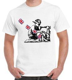 Máquinas de coser baratas online-BANKSY SLAVE SEWING MACHINE BOY CAMISETA PARA HOMBRE - Labor Graffiti Cheap Sale 100% Cotton Camisetas para niños Pop Cotton Man Tee