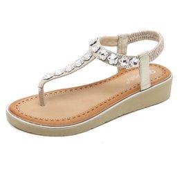 Горячие продажи бренда последней моды сандалии горный хрусталь строка бусины склон с Пинч обувь сандалии для женщин от