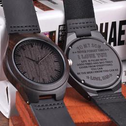 Gravierte Holz Uhren für Männer Personalisierte Familie Jahrestag Geschenk für Sohn Graduierung Geschenk von Fabrikanten