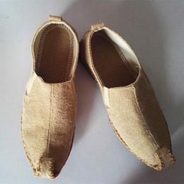 китайская обувь для обуви Скидка Мужская обувь ручной работы Льняная летняя конопляная обувь Китайский стиль плоской льняной обуви Мужчины Китайская мода Slip на Espadrilles для мужчин Loafers Q-372