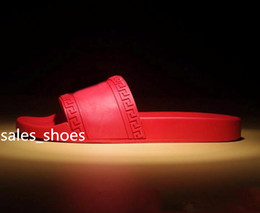 Argentina Sandalias de playa para hombres Sandalias Medu Scuffs 2018 Zapatillas para hombre Red Beach Sandalias de diseño de moda para hombres Sandalias de diseño Talla 39-46 Suministro