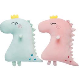2019 brinquedos de dinossauro rosa 50x40 cm rosa / azul macio recheado de pelúcia travesseiro de dinossauro de volta almofada lance travesseiro presente de brinquedo de pelúcia brinquedos de dinossauro rosa barato