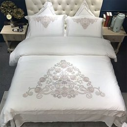 Wholesale Oriental Cover - 4 6 Piece Oriental Embroidery White Egyptian cotton Luxury Bedding set Queen King size Silky Duvet cover Bedsheet set Pillowcase