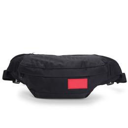 Marca Fannypack con lettere di lusso Desinger Borse per gli uomini Zipper Outdoor Pack di cestini Ciclismo Classic Cross Body Bags 26 Stili cheap style packs da pacchetti di stile fornitori