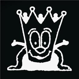 re dell'autoadesivo all'ingrosso Sconti HotMeiNi All'ingrosso 20 pz / lotto Cartoon King Crown Divertente Autoadesivo Dell'automobile Per Camion Finestra Paraurti Porta Kayak Decalcomania Del Vinile 8 Colori