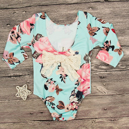 Wholesale 2t Girls Fall Clothes - Baby Girls V Back Flower Rompers 2017 Fall Infant Boutique Clothing INS 1-4T Little Girls Long Sleeves Back Bow Floral Rompers