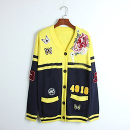Suéteres cardigan amarillo para mujer online-108 Envío Gratis 2018 Otoño Marca SAme Estilo Suéter Cardigan Amarillo de Manga Larga Con Cuello En V Moda para Mujer Ropa DL