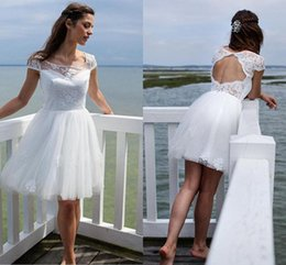 Wholesale Wedding Dress Designers China - Sexy Short Beach Wedding Dresses Cheap 2018 White Lace Short Sleeves Applique Designer Tulle Bridal Gowns Backless Bride Dresses China