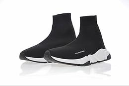 Marques de vêtements pour femmes en Ligne-Haute Qualité 2019 Unisexe Chaussures De Sport Plat De Luxe Chaussettes Bottes Femme Nouveau Slip-on Élastique Tissu Vitesse Trainer Marque Chaussures De Course