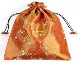 Bolso de seda hecho a mano chino online-50 unids / ot envío rápido 27 * 36 cm chino hecho a mano bordado floral de seda bolsas de zapatos con cordón portátil bolsas de almacenamiento de viaje bolsa