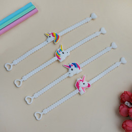 leuchtendes armbandspielzeug Rabatt Unicorn Luminous Bracelets Wristband Unicorn Birthday Party Favors Supplies für Mädchen Emoticon Spielzeug Preise Geschenke Silikonarmband LC764-1