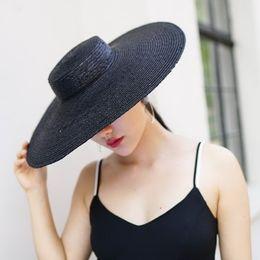 Sombrero de ala ancha Sombreros de sol para mujer 2018 Sombrero de paja  negra de nueva moda para mujer Barco de calidad superior 681055 a8e7d643cc7
