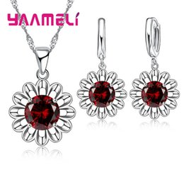 Стерлинговое вино онлайн-YAAMELI Factory Price Fashion Jewelry Sets For Women 925 Sterling Silver Red Wine Color Sunflower CZ Necklace Pendant Earrings