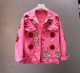 Vaquero bowknot online-2018 New Spring Autumn Women Cool Graffiti Letter Printing con Bowknot Pin Holes Denim Jacket Cowboy Coat Casual Jeans Outwear