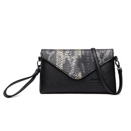 golf wallets Promo Codes - 2018 Leather Women Clutch Bag Snake Pattern Design Wallets Fashion Outdoor shoulder bags Female Casual Fashion High Quality Crossbody Bags